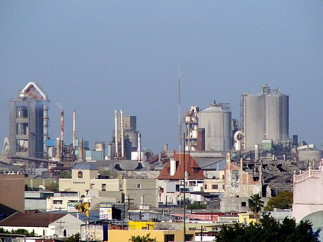 PERU. Se instala la primera fabrica de cementos.