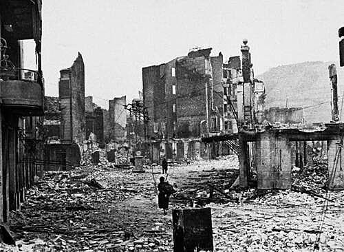 Bombardeig de la població basca de Gernika durant la Guerra Civil Espanyola.