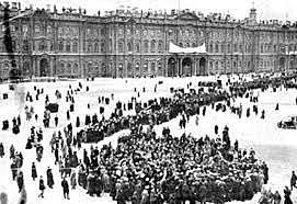 La revolució s'inicia amb l'assalt al Palau d'Hivern