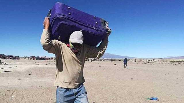Los bolivianos que están en Colchane regresan a Iquique