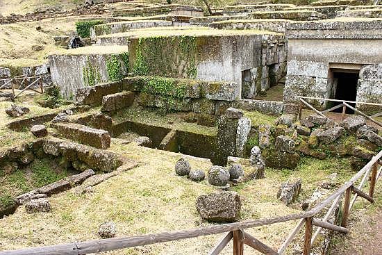 Necròpoli de Crocifisso del Tufo