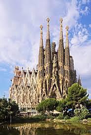 Es comença a construir la Sagrada Família d'Antoni Gaudí