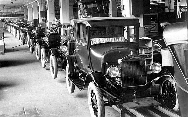 Producció en cadena de l'automòbil Ford T