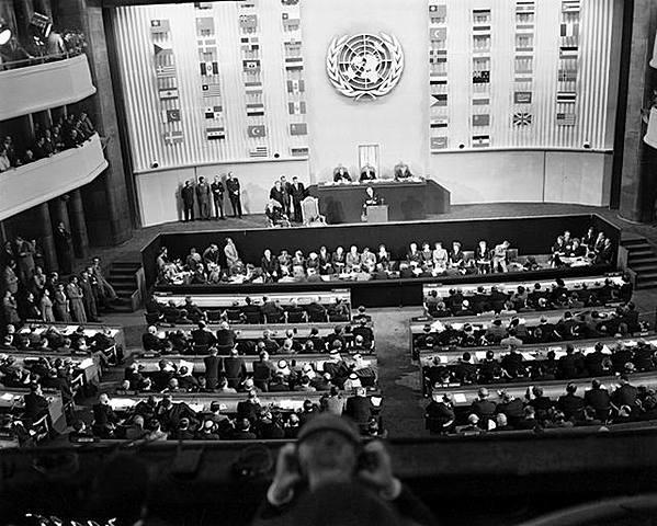 La ONU emet la Declaració Universal dels Drets Humans (DUDH)