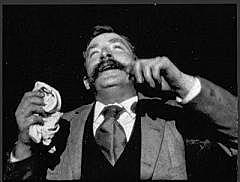 """Corto Edison: """"El Estornudo"""""""