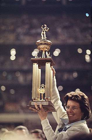 """Female Tennis Player Billie Jean King Beats Bobby Riggs in """"The Battle of the Sexes"""" Tennis Match"""