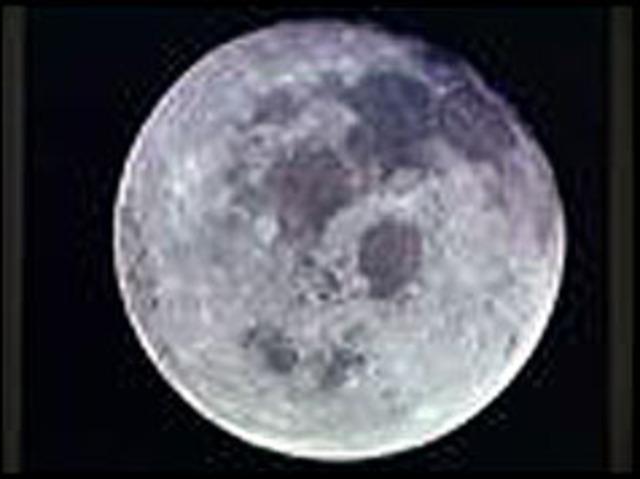 Soviets launch rocket at the Moon