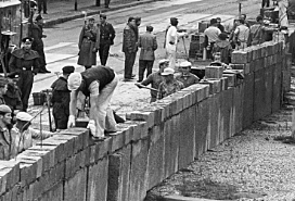 Construcció del Mur de Berlín