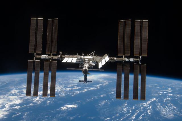 Human habitation of ISS
