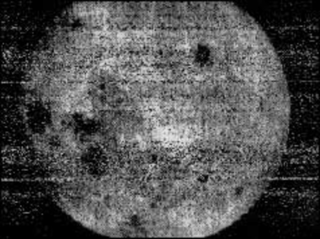 World glimpses far side of the Moon