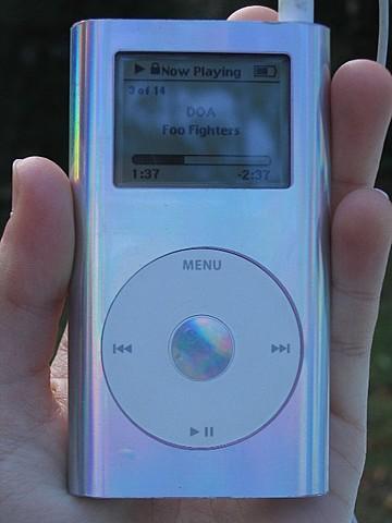 Apple crea el iPod