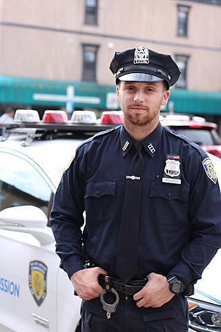 Dans trois ans, je serai à l'académie de police.