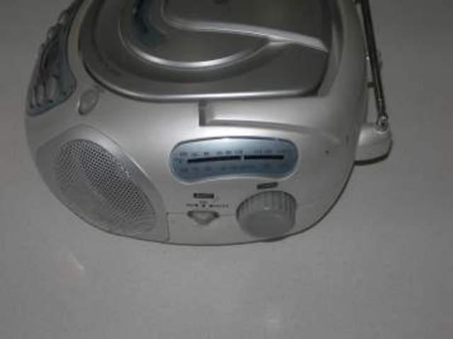 Reproductor de CDs y cassettes portátil