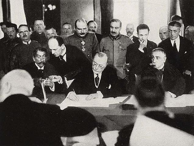 Àustria-Hongria signa un armistici