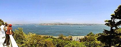В феврале — июне 1833 года, командуя эскадрой, возглавил экспедицию русского флота в пролив Босфор, в результате которой был заключён Ункяр-Искелесийский договор.
