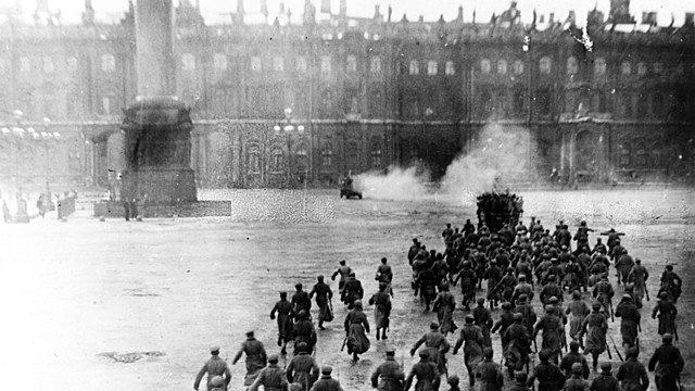 Provisional forces move against the Bolsheviks in Saint Petersburg