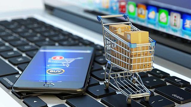Incrementan los compradores online