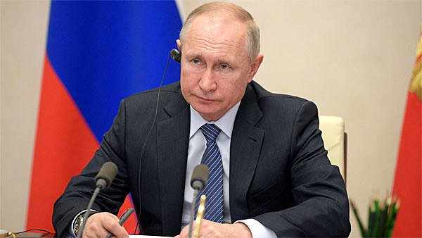"""President Putin refuses to impose lockdown in Russia but offers an """"week off work"""""""