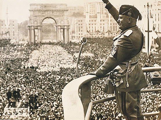 Inici de la dictadura feixista italiana