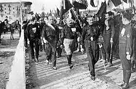 Mussolini forms alliance with Giolitti