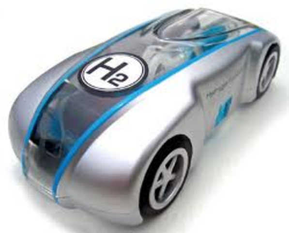 the first hydrogen cell powered automobile was made