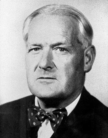 Sir Austin Bradfor - Hill