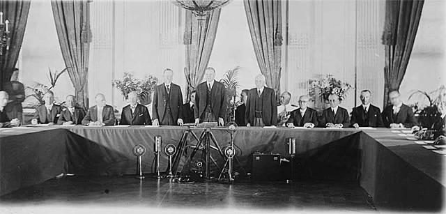 Kellogg-Briand Treaty signed
