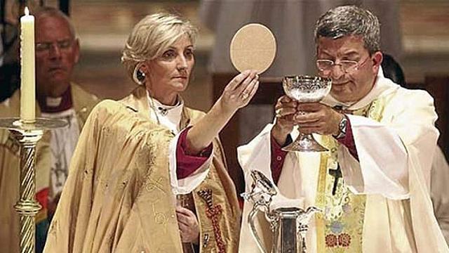 La iglesia anglicana aprueba el sacerdocio de las mujeres