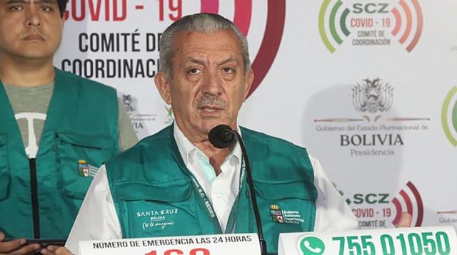 El secretario de Salud de Santa Cruz, Óscar Urenda, da positivo al test de coronavirus