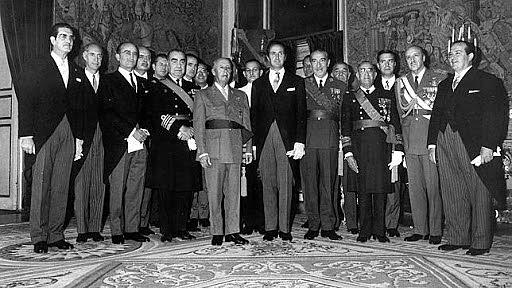 Creació del primer govern tecnòcrata