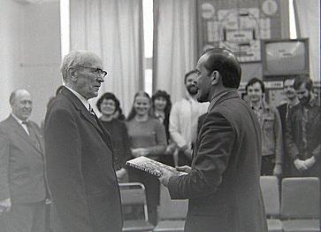 Семен Исидорович Катаев  (1931) в осуществление давней идеи Розинга сконструировал передающую трубку, названную им «радиоглазом».