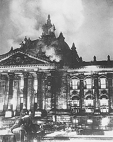 27 Feévrier 1933 : Le Reichstag Brule