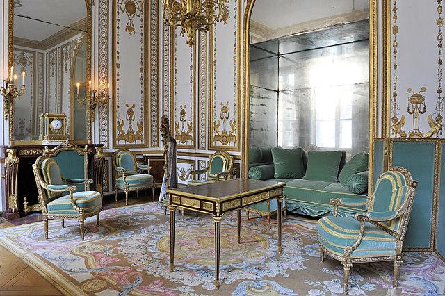 La restauració del Gabinet daurat de Maria Antonieta: