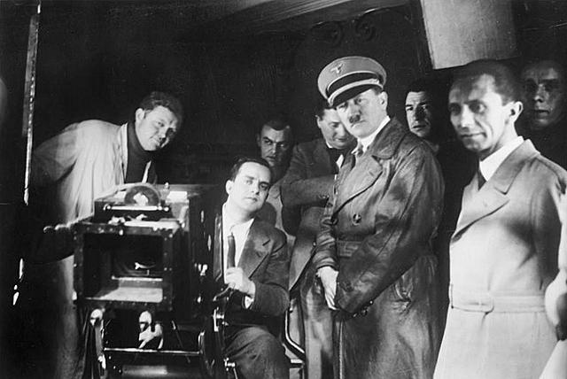 В нацистской Германии начинается создание первого кабельного вещания