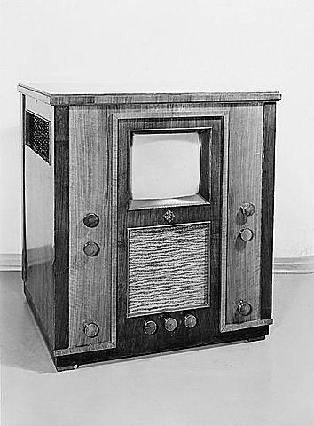 RCA представила первый телевизор RCS TT - 5