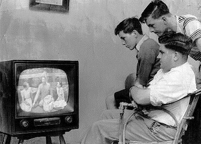 Первая экспериментальная телетрансляция в США