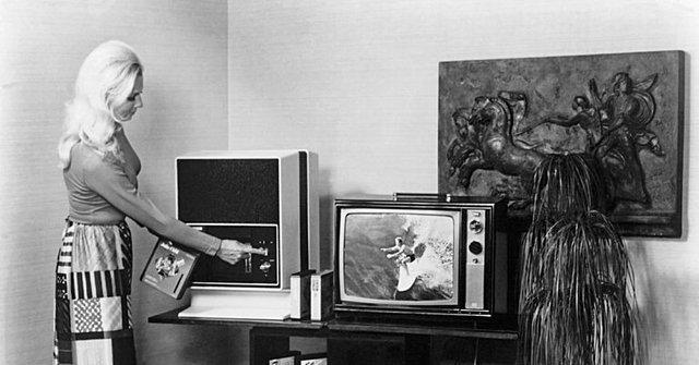 Видеомагнитофон RCA
