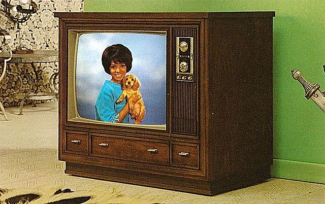 Электронные цветные телевизионные изображения на RCA