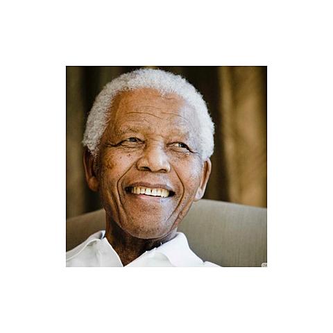 Autores Importantes: Nelson Mandela
