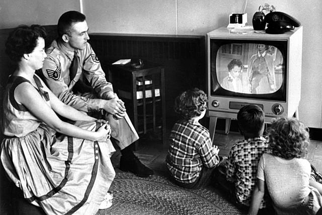 создание первого кабельного вещания в нацистской Германии