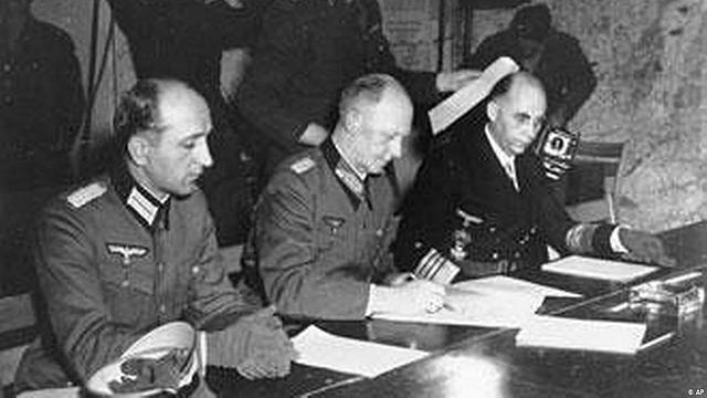 FI DEL NAZISME ALEMANY