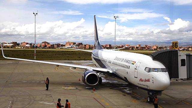 El coronavirus corta las alas de las aerolíneas bolivianas