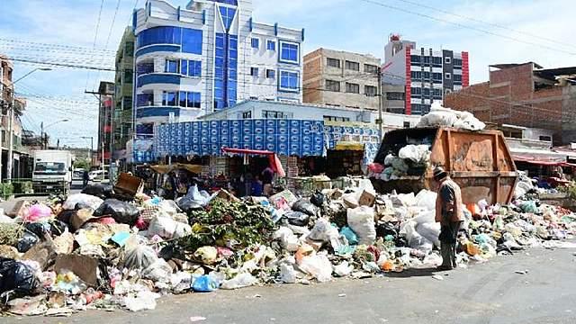 10 días de bloqueo en Cochabamba y hay más de 5.000 t de basura acumulada