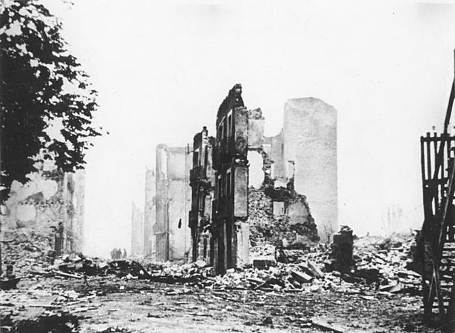 Fuerzas nazis bombardean Guernica