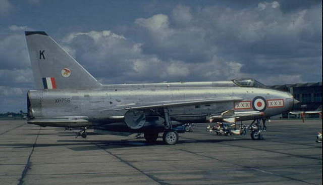 29 Sqn. swap their ageing Javelin FAW 9R's