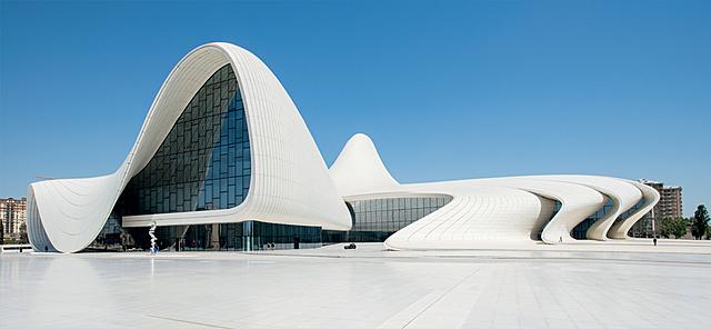 """Centro Heydar Aliyev"" - Zaha Hadid"