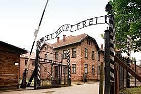 Camp de concentration établi à Auschwitz.