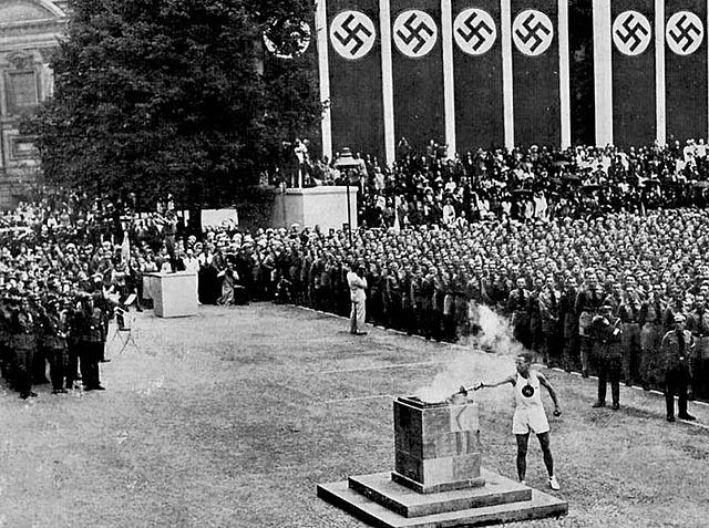 Les Jeux olympiques commencent à Berlin