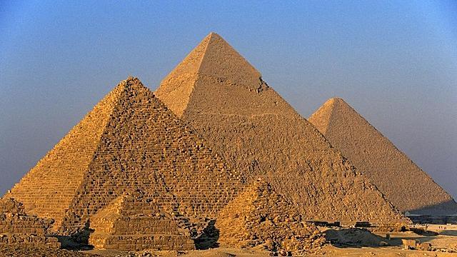 La Construcció de les Piràmides (1650 aC)