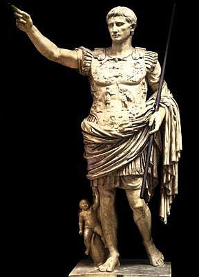 Año de la conversión de Octavio en Augusto.